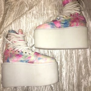 UNIF White Platforms, Candy Sunset size 8